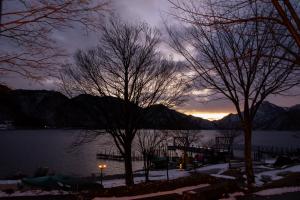 中禅寺湖の日没